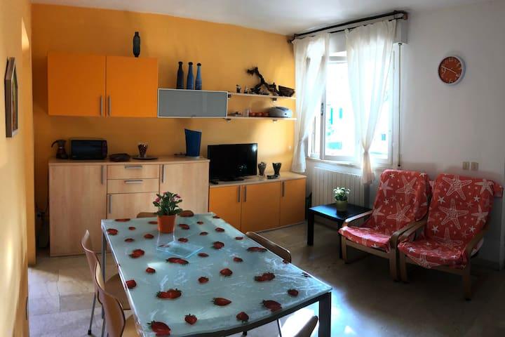 Appartamento indipendente, 150 metri dal mare