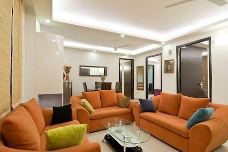 Luxurious Prestige Apartments 3BHK - New Delhi - Apartment