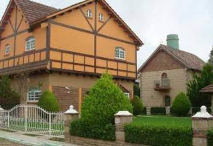 Macarena Hermosa casa estilo Europeo