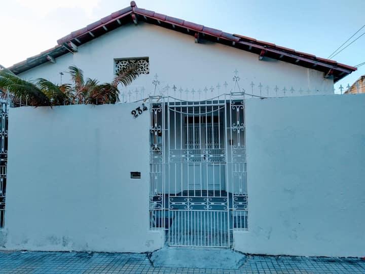 Casa Serena // Pousada // Quarto Margarida