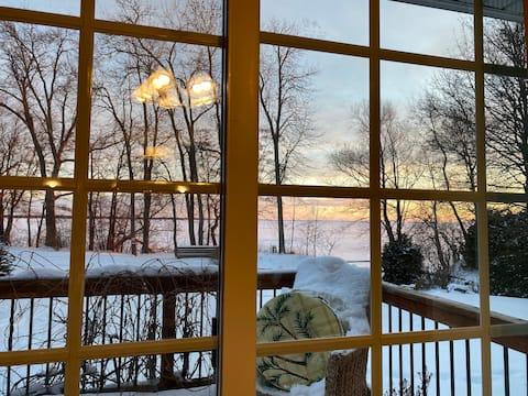Cottage on Lake Simcoe  Amazing lake Views