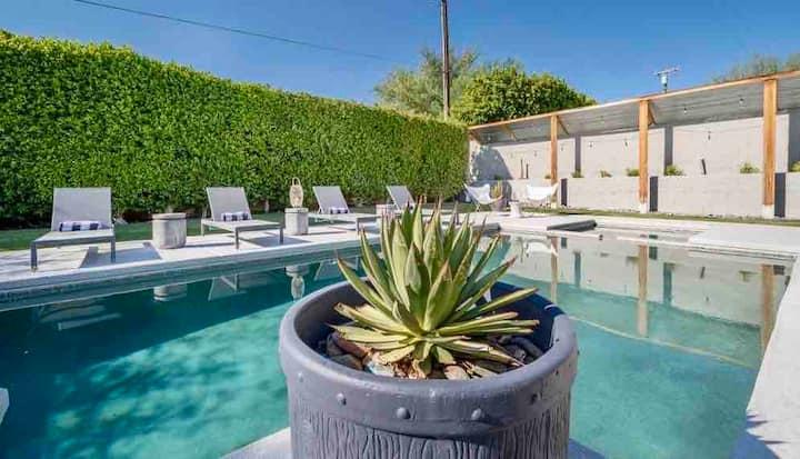 The Desert Casa • Private & Relaxing Pool Retreat