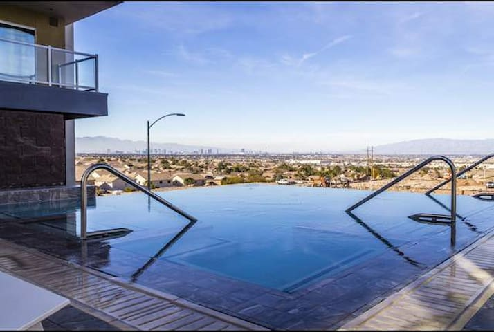 Luxury apartment with amazing view! - Henderson - Apartament