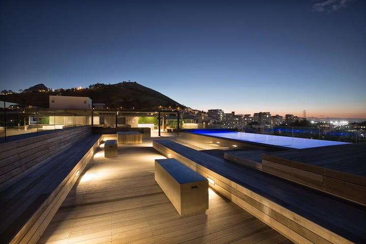 Urban Elephant Apartment 214, Table Mountain View