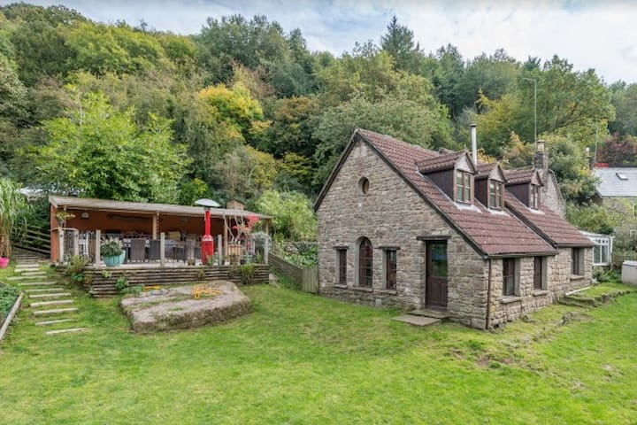 Country retreat ideal for outdoor enthusiasts