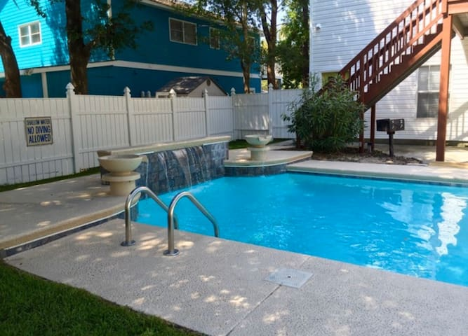 A Place in the Sun. Large Private Pool-HEATED POOL
