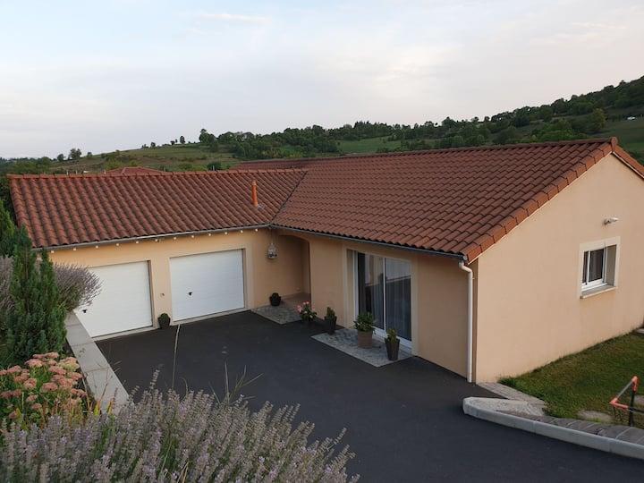 Villa au bas de la forteresse de Polignac