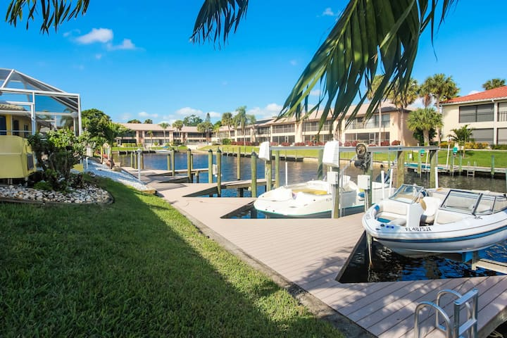 GULF ACCESS / FISHING / BOAT/ AMAZING HEATED POOL