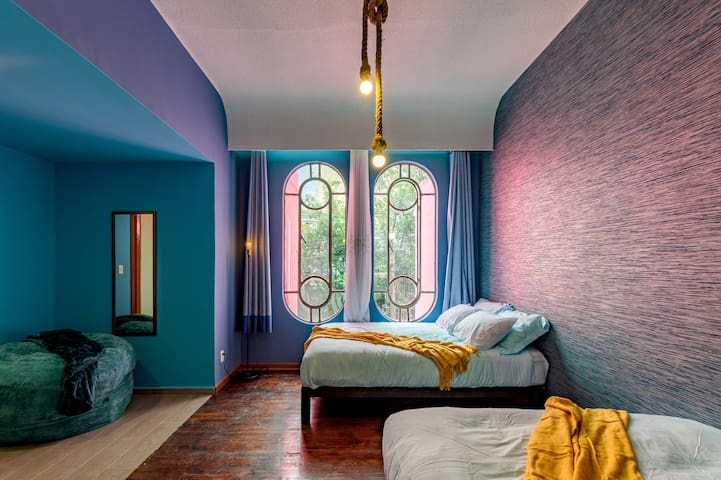 THE PINK HOUSE CONDESA big beds and patio