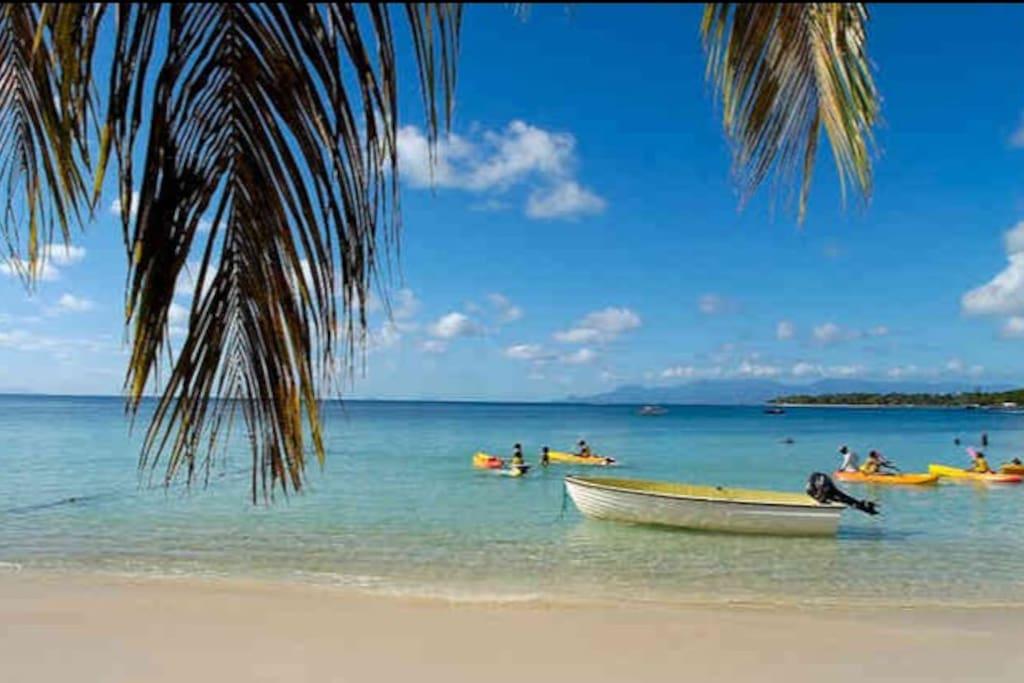 Accès direct à une Magnifique plage de sable fin
