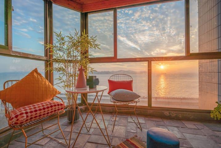 New Center Sea-faced flat  2 big quietly bedrooms