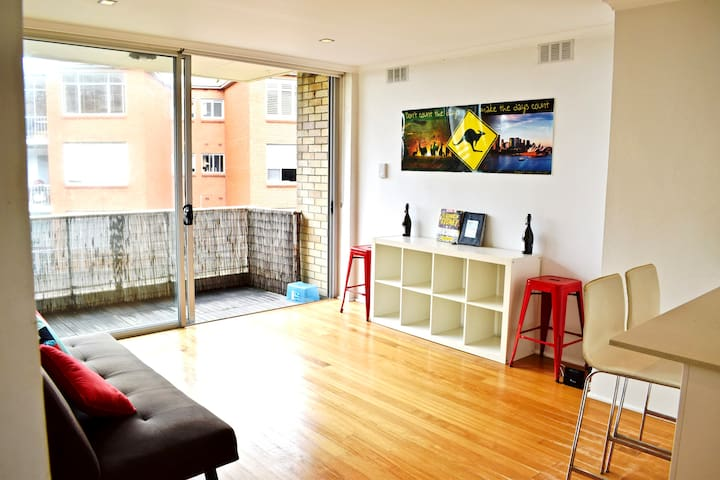 Beautiful Bronte 1-Bed Abode - Bronte