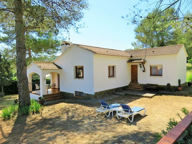 Beautiful house 10 min from the beach