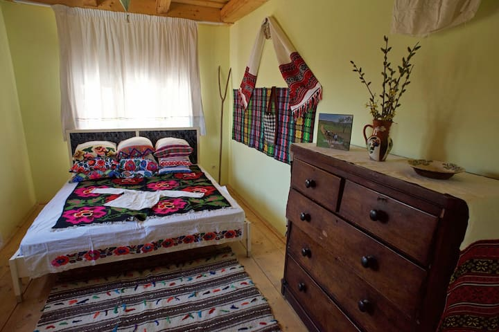 Double Room Casa Carolina Maramures - Cupseni - Casa
