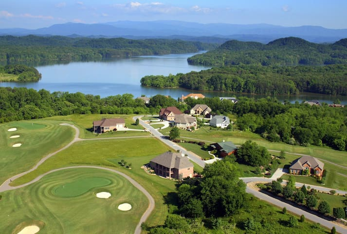 Tail of the Dragon Smoky Mtn Golf & Lake KingSuite - Vonore - House