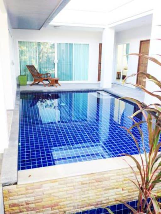 Private pool! WOO~