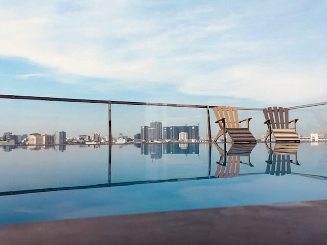 B&B Apt With Sky-Pool Rooftop 10 Mins From Airport