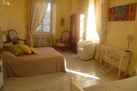 Les Anges au Plafond - Montolieu - Bed & Breakfast