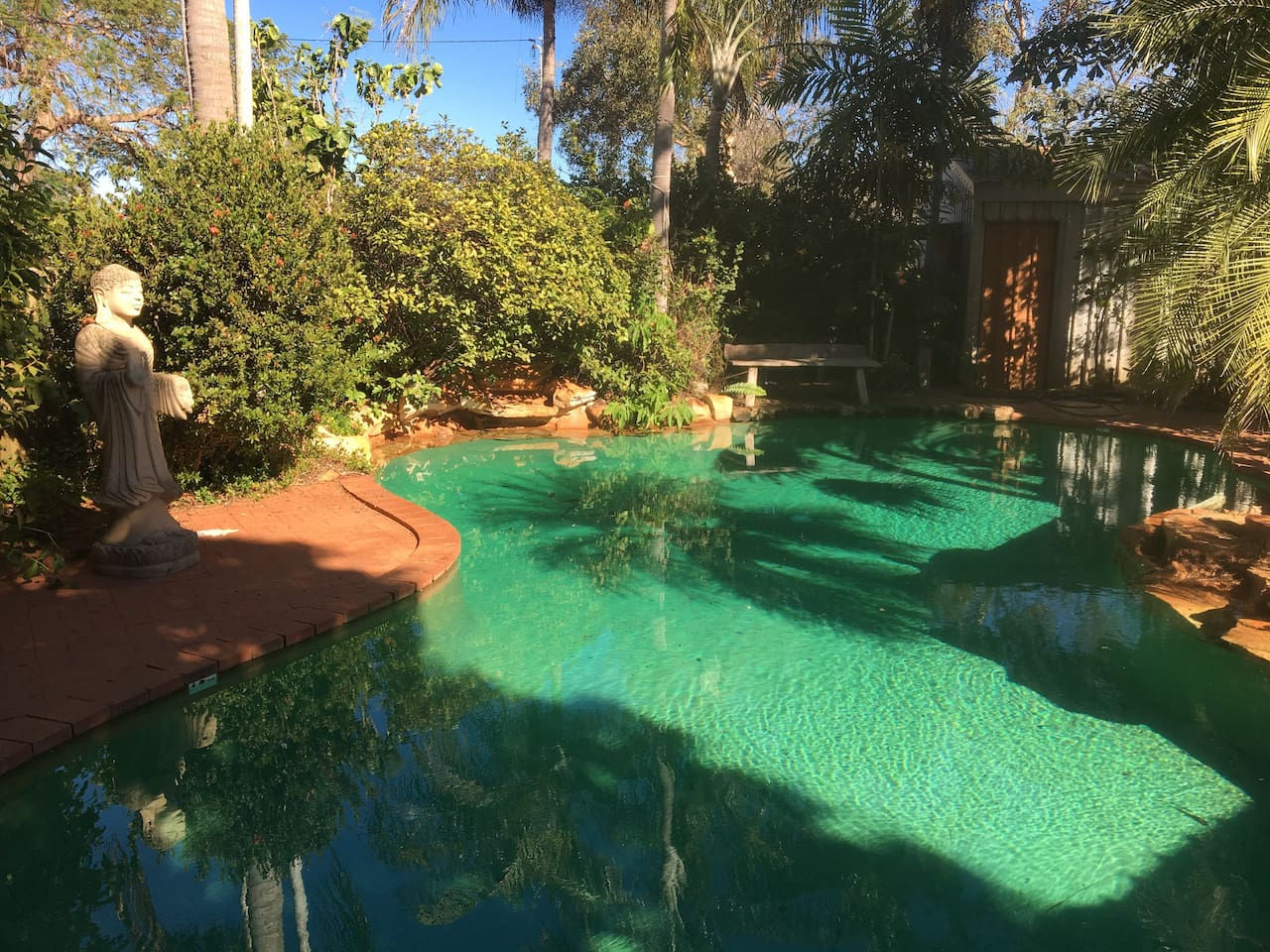 Relax and enjoy the beautiful resort style salt water pool surrounded by private tropical gardens. Perfect for cooling off and enjoying  the delightfully warm weather of Broome.