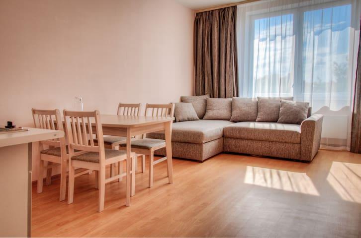Двухкомнатные Апартаменты в Центре Пскова - Pskov - Huoneisto