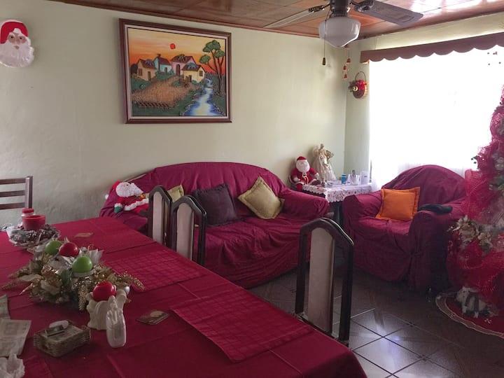 Mama Tica House in Heredia