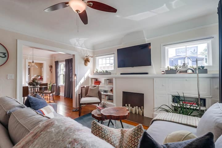 Charming Bungalow in the heart of Hillcrest