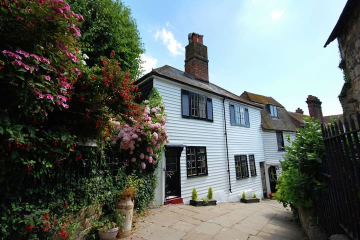 Comfy Holiday Home in Hastings near Seabeach and Watersports