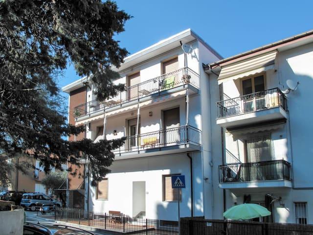 Airbnb San Lorenzo Al Mare Vacation Rentals Places To