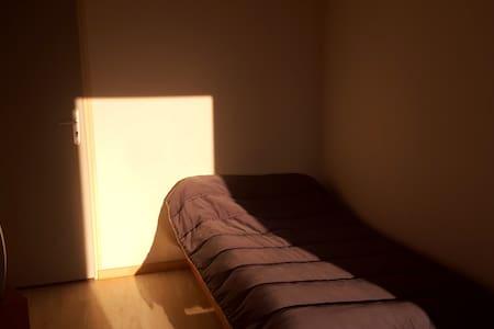 chambres de passage - Clérey - Rumah Tamu