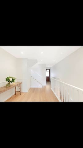 Cozy, moments to CBD, cafes.... - Balmain - Huis