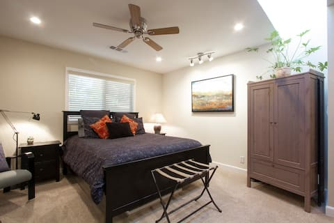Stylish Suite w/ Private Hot Tub, Fire Pit, Bikes