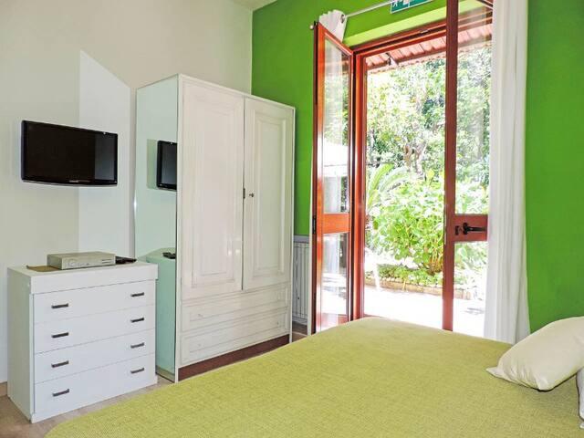 Lime Room