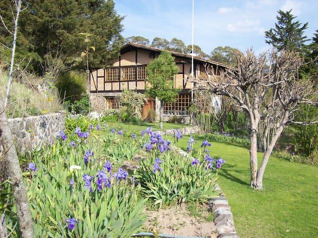 Chalet Rancho Ojo de Agua, resort  holístico
