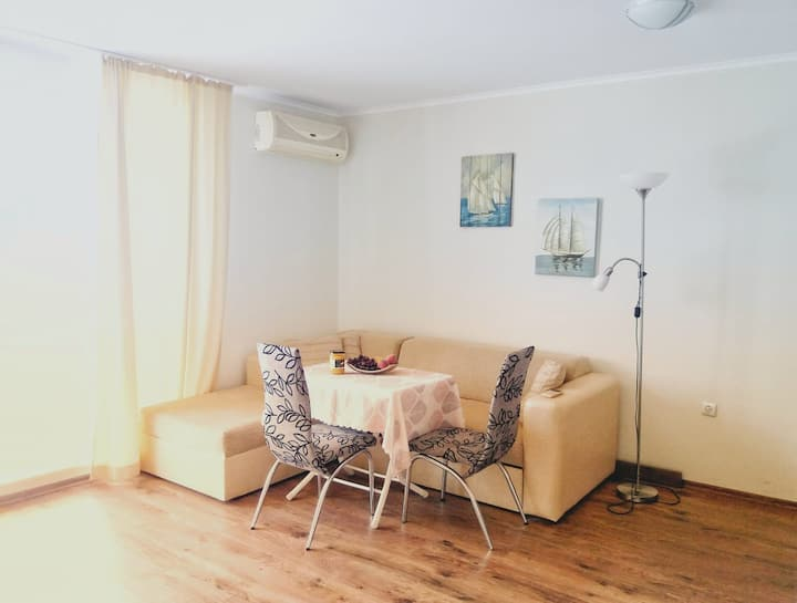 Apart Home office on the beach-2 min away, 4people