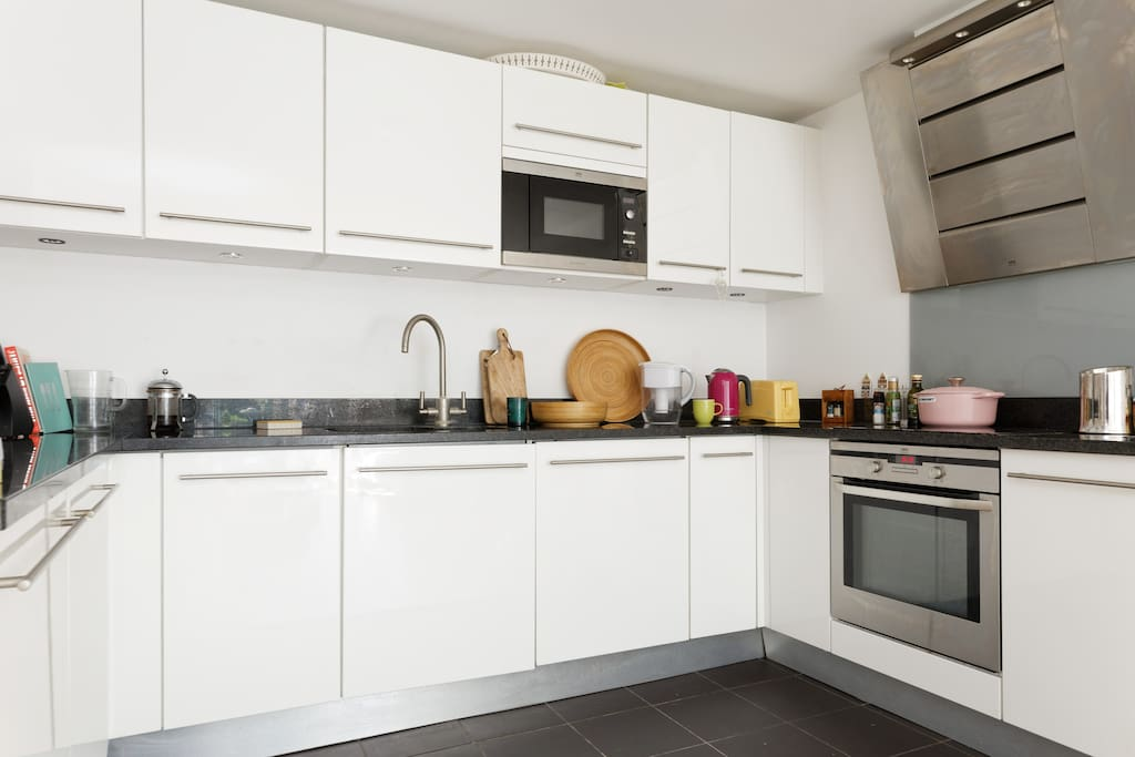 Fully fitted integrated kitchen