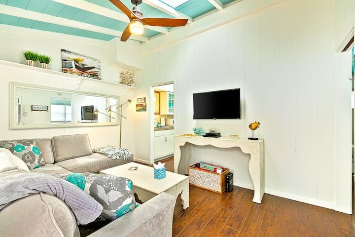 Beach Bungalow #1+AC,Private Outdoor yard
