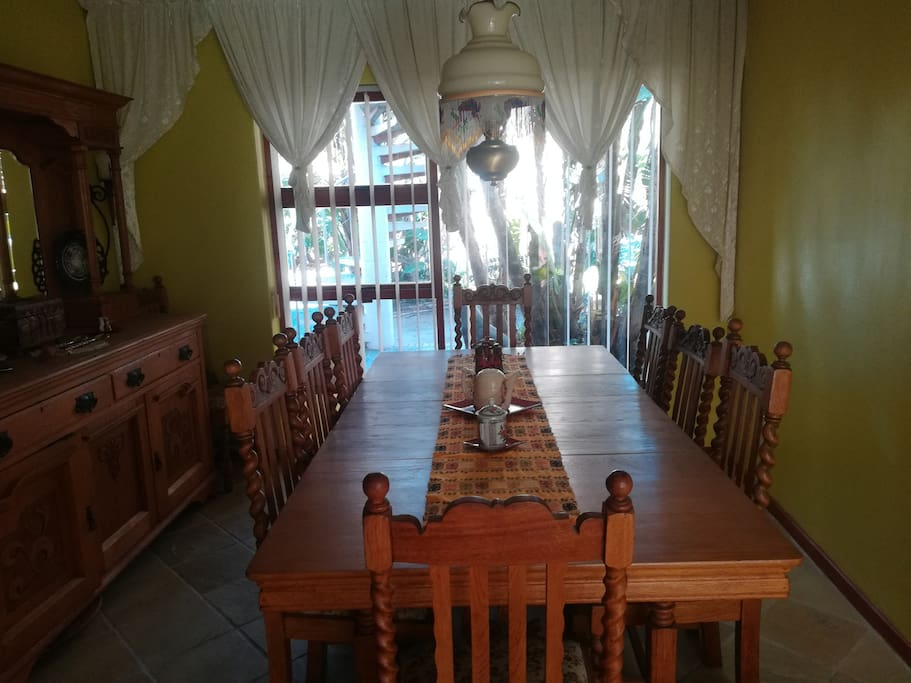 Dining room for private suppers