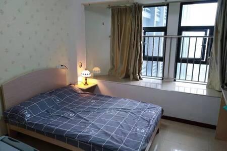 明福智富广场西尔曼公寓-消毒房月租可做饭,女生情侣15房自助入住