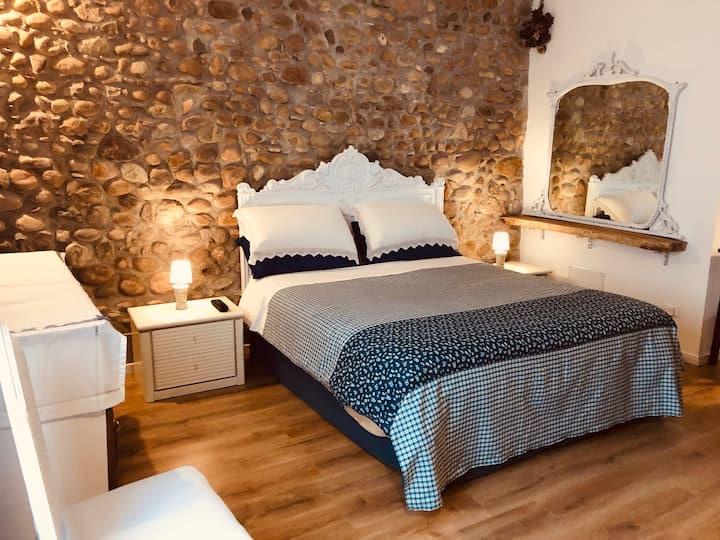Room Peschiera del Garda-IlTuoPostoalLagodiGarda