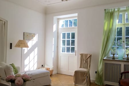 Beautifull Hide away / Traumwohnung in hist. Villa - Tutzing - Apartment