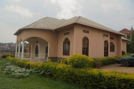 Large furnished Kibagabaga house has rooms to rent