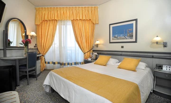 Sea View 4star Beachfront Hotel