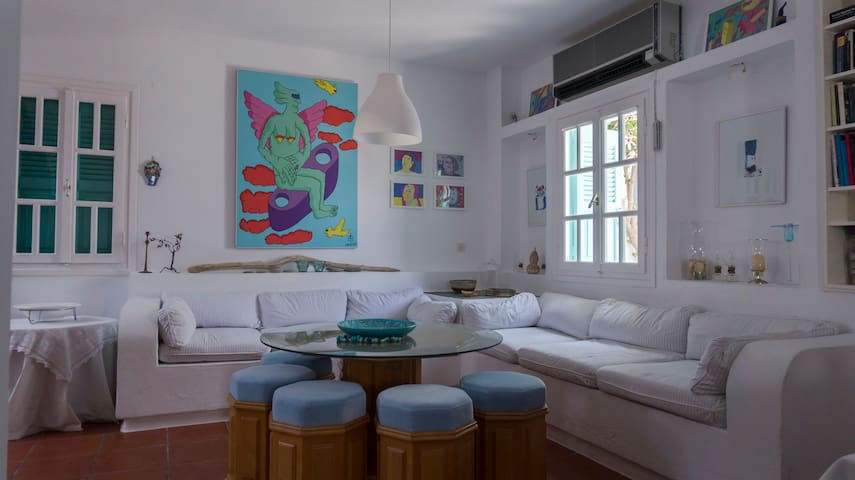 2 Bedroom Specious Apartment GF, Kanala sea side!