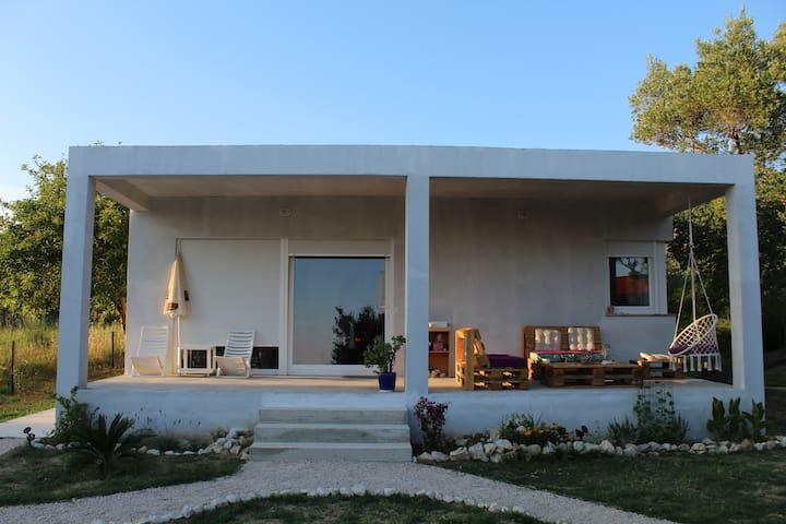 """""""D"""" house - ground floor house with garden"""