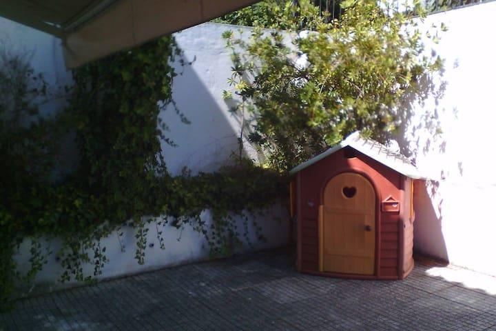 100 m2 Apt/Villa 4 pax Garden- Estoril/Bicesse