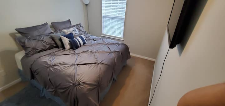 Private Room with King Size Mattress