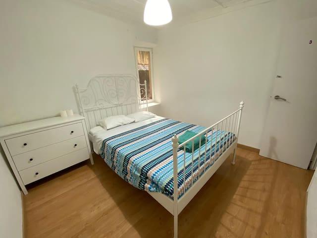Spacious Room in Bairro Alto