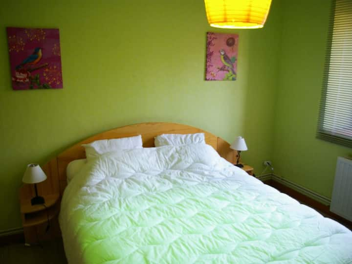 Appart. 110 m2, Wifi, 8p. 3chbrs 2sdb ménage-draps
