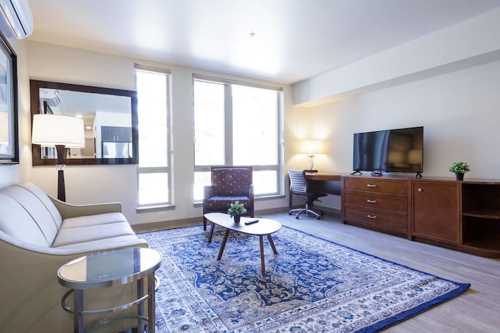 Downtown Pearl Attractive urban One bedroom