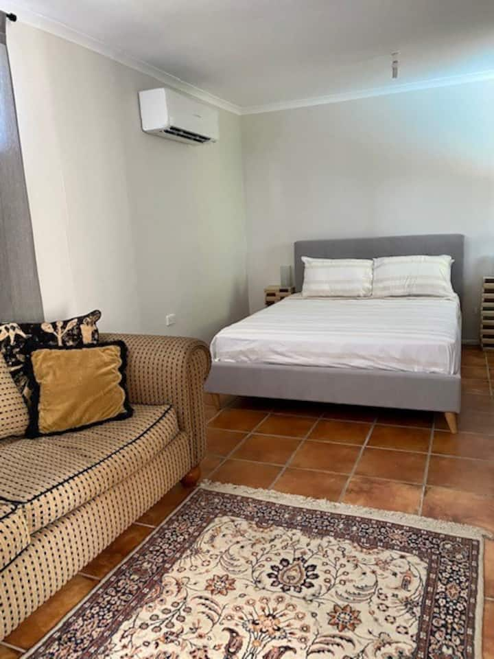 Beachside Retreat for couples or families